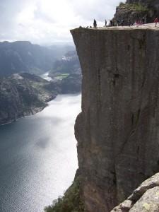 Blick auf den Preikestolen in Norwegen (piqs.de ID: 0a670acae6553b0ea15e789833b7980d)